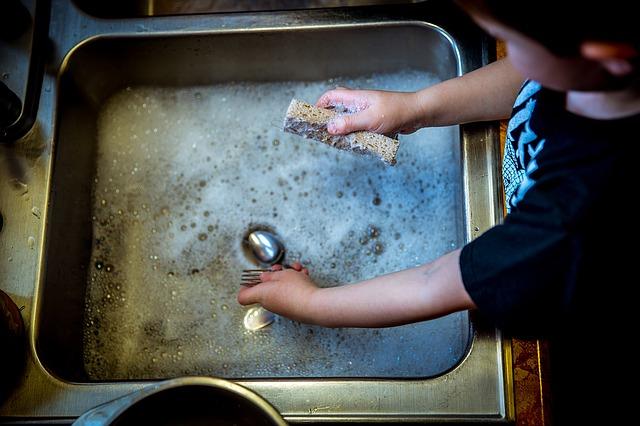 イクメンのための皿洗いを効率的にこなすコツ